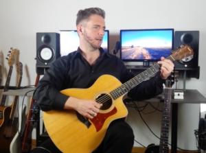 Gitarre - Klassische Haltung